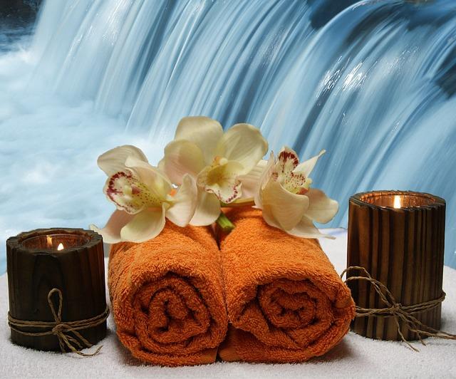 svíčky u ručníků