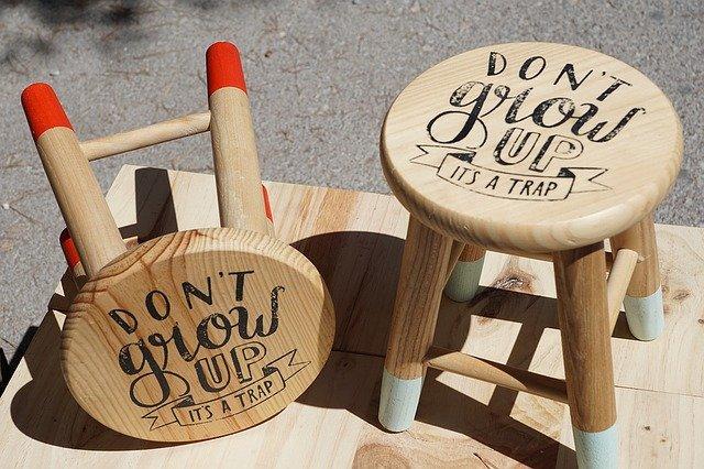 dřevěné stoličky.jpg