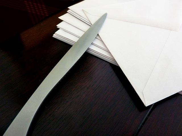 nůž na dopisy.jpg
