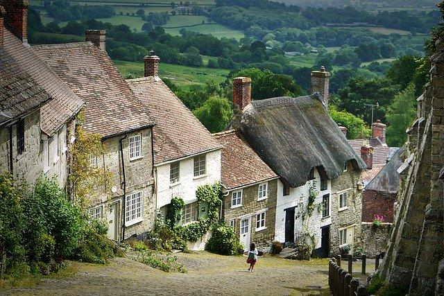 domy v kopci