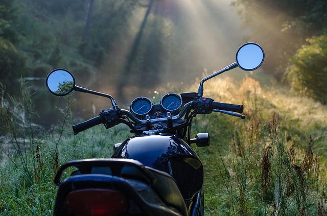 odstavená motorka
