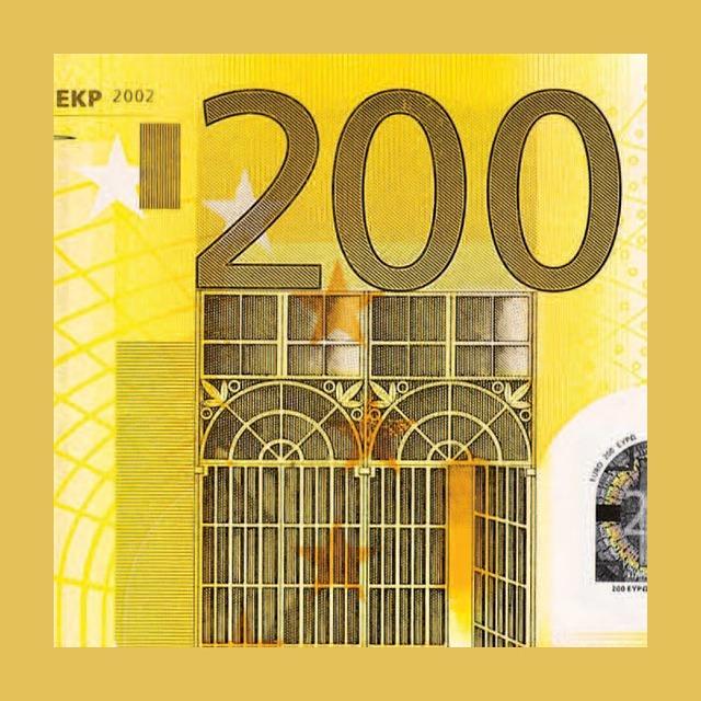 složená bankovka 200 euro